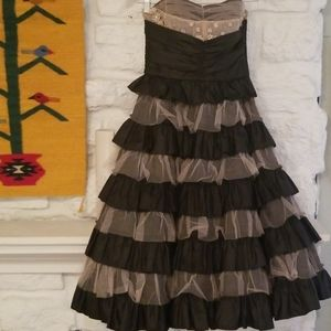 BETSEY JOHNSON EVENING  Lace Tiered Party Dress 4